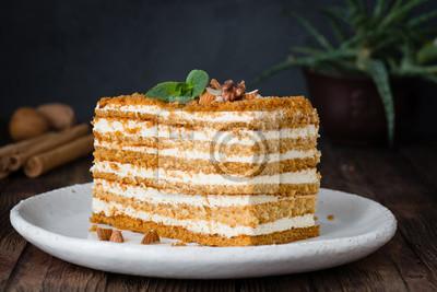 Scheibe Des Uberlagerten Honigkuchens Russischer Kuchen Medovik