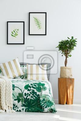 Schlafzimmer mit baumstumpf nachttisch fototapete • fototapeten ...