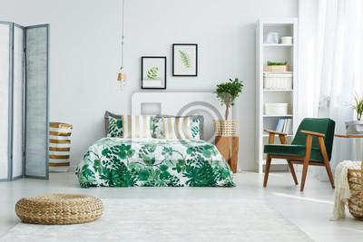 Schlafzimmer mit leinwand, bett, sessel fototapete ...