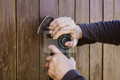 Schleifen Mit Schwingschleifer Auf Altem Holz Holzzaun Wird