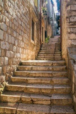 Fototapete Schmale Straße und Treppen in der Altstadt in Dubrovnik, Kroatien, mediterranes Ambiente