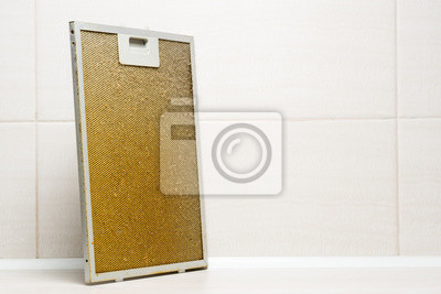 Schmutziger fettiger aluminiumfilter für dunstabzugshaube