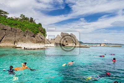 Schnorcheln im offenen blauen Lagune