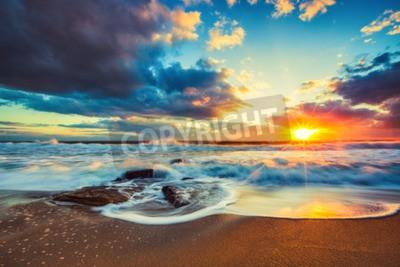 Fototapete Schöne cloudscape über dem Meer, Sonnenaufgang schoss