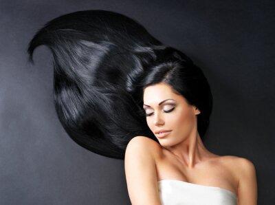 Fototapete Schöne Frau mit langen glatten Haaren
