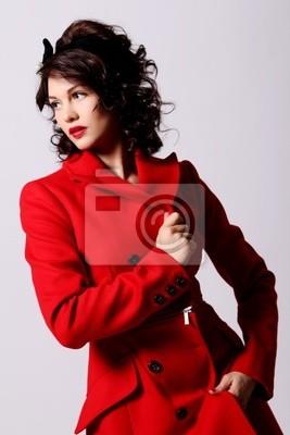 295729825def42 Schöne junge frau im roten mantel fototapete • fototapeten ...