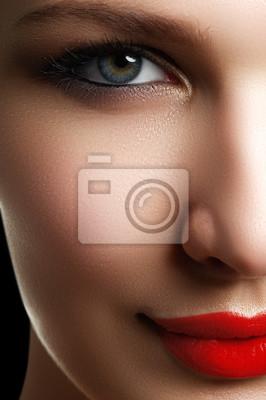 Schöne Modell Frau Gesicht Mit Blauen Augen Und Perfekte Make Up