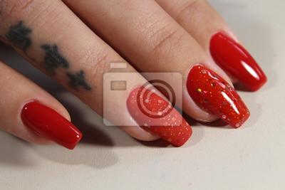 Nägel rote lange Rote Nägel