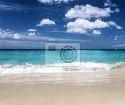 Fototapete Schöne tropischen Strand und blauer Himmel
