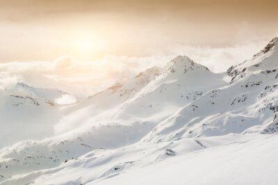 Fototapete Schöne Winterlandschaft mit schneebedeckten Bergen