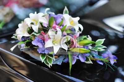 Schoner Blumenstrauss Hochzeit Blumen Dekoration Auf Ein Auto