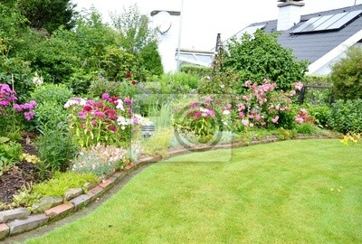 Fantastisch Fototapete Schöner Garten Mit Haus Im Hintergrund