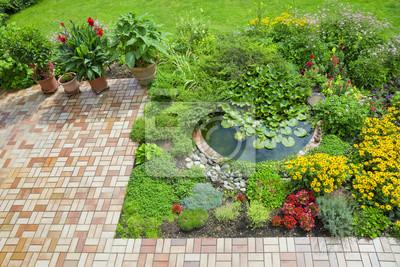 Schoner Garten Mit Terrasse Und Teich Fototapete Fototapeten