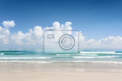 Fototapete Schöner Meerblick mit azurblauem Kristallwasser und tropischem Strand