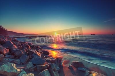 Fototapete Schöner Sonnenaufgang über dem Horizont,