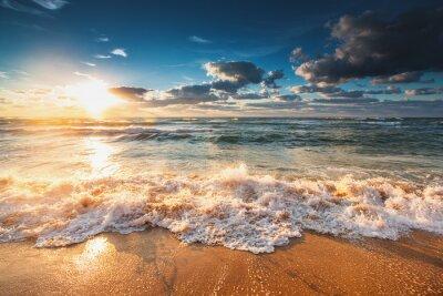 Fototapete Schöner Sonnenaufgang über dem Meer