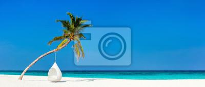 Fototapete Schöner tropischer Strand bei Malediven