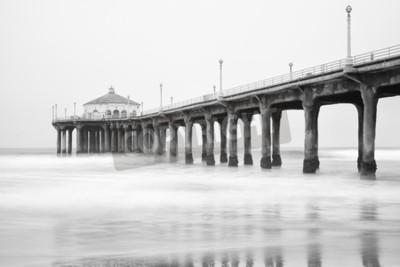 Fototapete Schwarz-Weiß-Foto von Manhattan Strand Pier, Kalifornien.