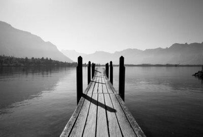 Fototapete Schwarz-Weiß-Holzbrücke