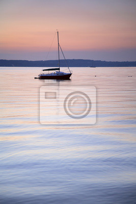 Merveilleux Fototapete See Bei Sonnenuntergang, Kleines Segelboot