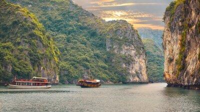 Fototapete Seelandschaft Sonnenuntergang am Halong Bucht