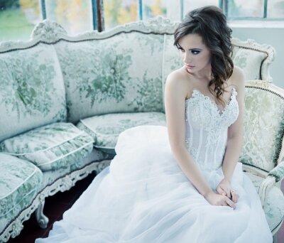 Fototapete Sinnlich junge Braut nach der Hochzeitsfeier