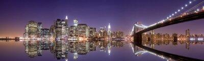 Fototapete Skyline von New York und Reflexion in der Nacht