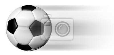 Soccer Ball in Bewegung isoliert auf weiß