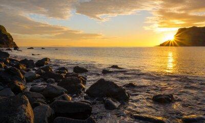 Fototapete Sonnenuntergang auf der berühmten Isle of Skye in Schottland