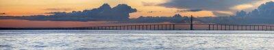 Fototapete Sonnenuntergang und Manaus Iranduba Brücke über den Amazonas, Brasilien