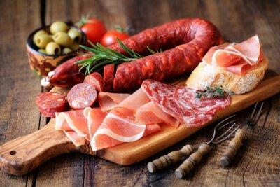 Fototapete Spanisch Tapas - Chorizo, Salsichon, Jamon Serrano, Lomo und Oliven