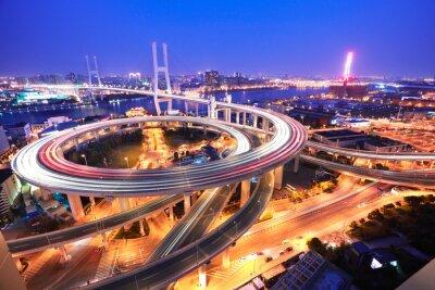 Fototapete Spiral-Brücke in Shanghai Huangpu River auf Augenansicht des Vogels o