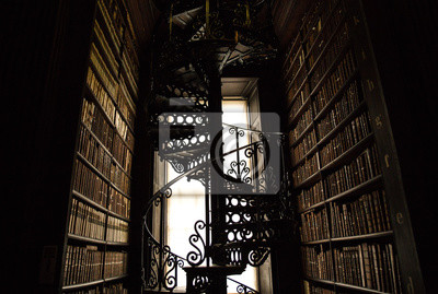 Spiral Staircase In An Old Library Of Books Fototapete Fototapeten