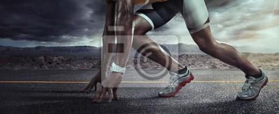 Fototapete Sport Hintergrund. Läuferfüße, die auf Straßennahaufnahme auf Schuh laufen. Startlinie