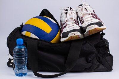 Fototapete Sporttasche mit Sportbekleidung und Ball.