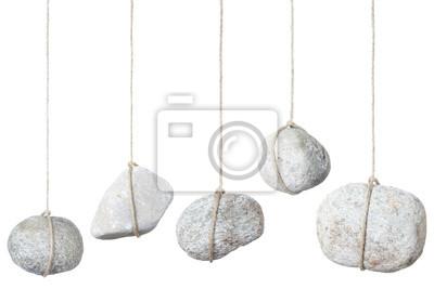Stein hängen an einer Schnur auf weiß, Clipping-Pfad enthalten