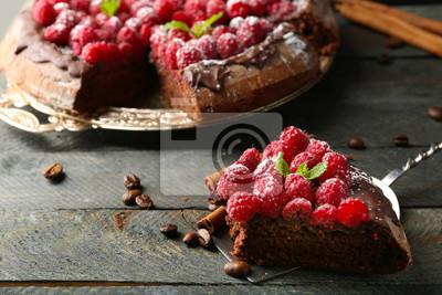 Stuck Kuchen Mit Schokolade Glasur Und Himbeeren Auf Farbe Holzernen