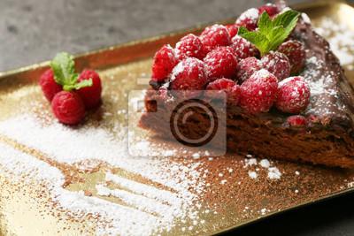 Stuck Kuchen Mit Schokolade Glasur Und Himbeeren Auf Tablett