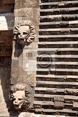 Stufen des Tempels von Quetzalcoatl, Teotihuacan (Mexiko)