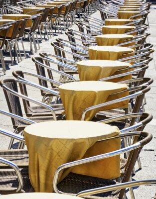 Fototapete Stuhlreihen