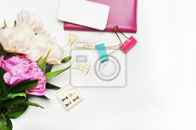 Styles Auf Weissem Hintergrund Produkt Mockup Kaufen Desktop