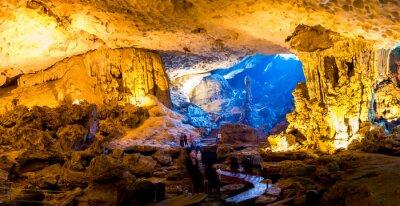 Fototapete Sung Sot Höhle in der Halong Bucht, Vietnam