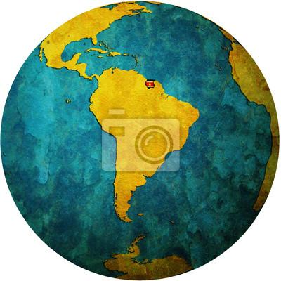 Globus Karte.Fototapete Surinam Flagge Auf Globus Karte
