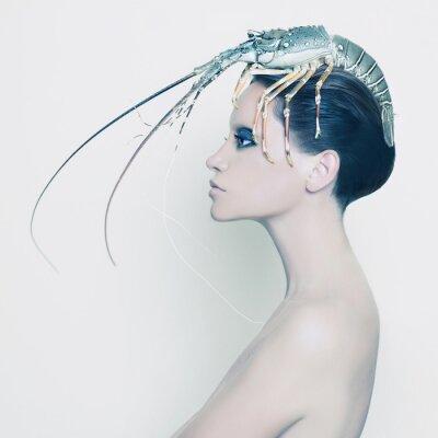 Fototapete Surreal Dame mit Hummer auf dem Kopf