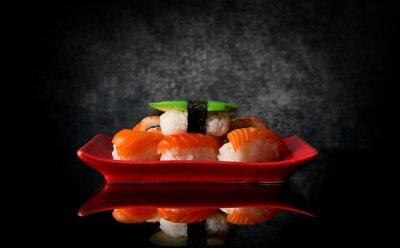 Fototapete Sushi auf rotem Teller