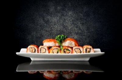 Fototapete Sushi und rollen in der Platte