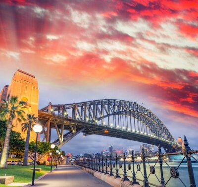 Fototapete Sydney Harbour Bridge mit einem schönen Sonnenuntergang, NSW - Australien
