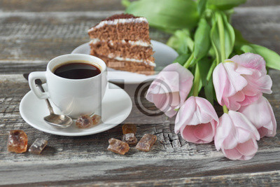 Fototapete Tasse Kaffee Kuchen Rosa Tulpen Auf Holzernen Hintergrund