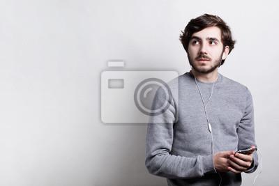 Welche Frisur Pt Zu Mir Herren   Technologie Und Kommunikationskonzept Junge Stilvolle Mann