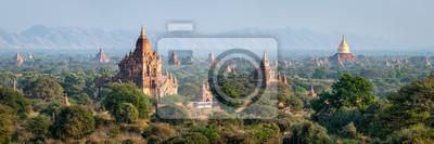 Fototapete Temples and pagodas in Bagan as panorama background